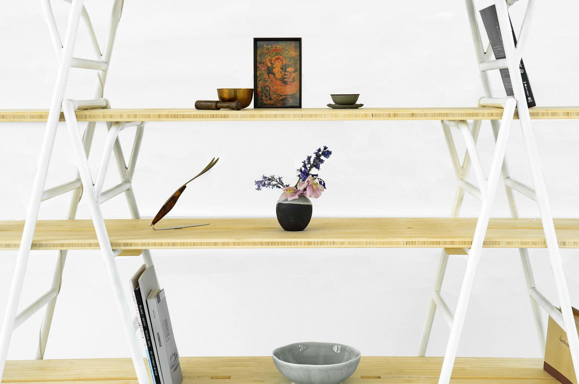 Nomadic Shelf 4
